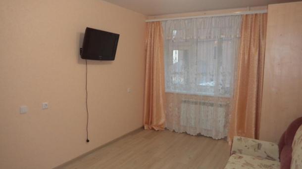 Хлыновская 15 - в Кирове посуточно - новая квартира - центр